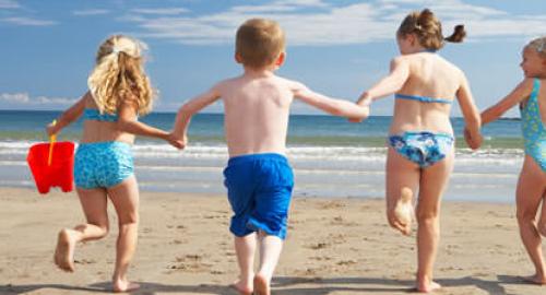 Bambini al mare: 3 convenzionali ma efficaci consigli di prevenzione per i propri figli